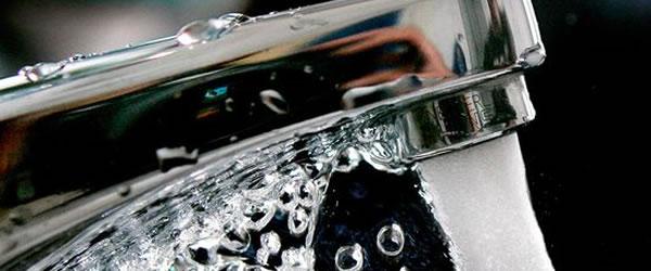 Agua gratis en los festivales