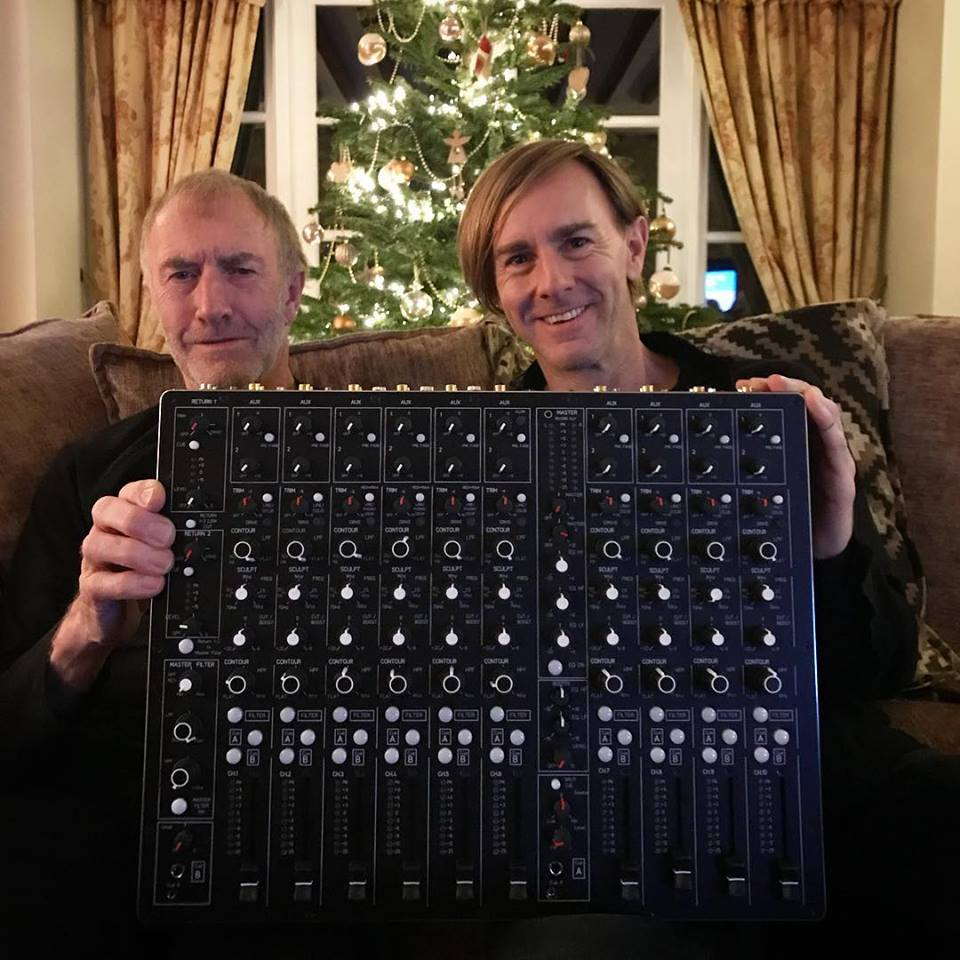 Richie-Hawtin-Dad-Mixer.jpg